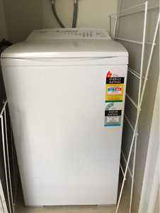F&P Quick Smart 5.5kg washing machine for sale Maddington Gosnells Area Preview