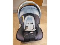 Babby car seat with seat bracket