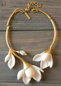 e092868c6 Oscar De La Renta White Color Magnolia flower necklace signed