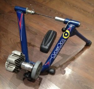 Cycleops Fluid Cycle Trainer