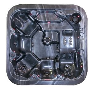 Brand new lounger hot tub 48jets,3hp pumps,Circ pump,leds loaded