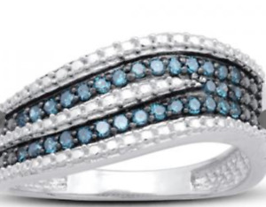 Reducing Inventory Deal of the Day! 0.25CT 31-Diamond Ring Size7