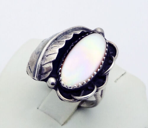 Old Pawn Native American Mother of Pearl Ring in Sterling Silver Size 7.5