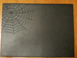 HALLOWEEN SPIDER WEB PLACEMATS