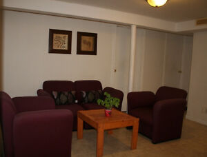 Rooms For Rent, Five minutes walking from University of Windsor.