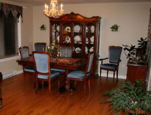 Dining room table , 6 chairs, buffet/hutch and server