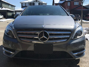 2014 Mercedes-Benz B250 *ONLY 16,000 KM* *$18,900 OBO*