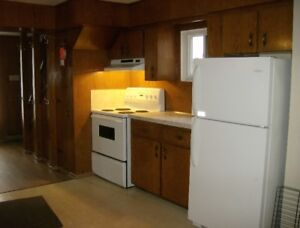 MUST RENT 3 Bedroom Apartment $1250.00 Inclusive