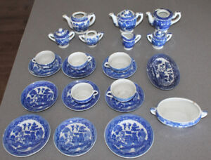 Blue Willow Child's Tea Set China Playset Miniature Dishes Japan