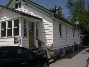 2 Bedroom Apartment for Rent $850.00 Heat Included