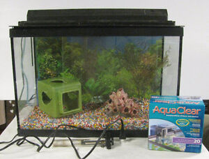 20 Gallon tank with assessories