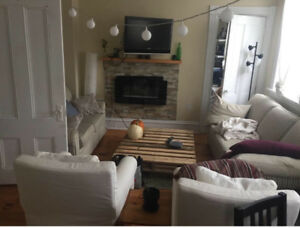 ROOM FOR RENT CLOSE TO DAL AND DOWNTOWN