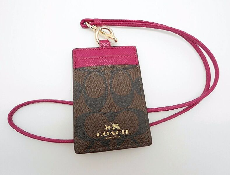 e0300c38 COACH SIGNATURE LANYARD ID CARD BADGE HOLDER | Newton ...