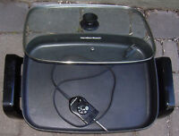 Electric frying pan, large, good condition. Near Chinook