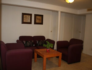 Rooms for rent - Five minutes walking to University of Windsor