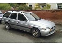 Ford escort finesse estate 1.6 litre silver air conditioning