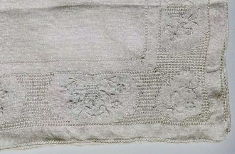 Vintage Hanky Handkerchief Embroidered Lace Linen Floral Flower A12