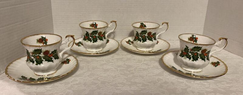 Sets of 4 Cup & Saucers Queen