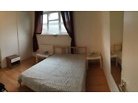 Double en-suite room available now 2 mins from Plaistow Station, E13