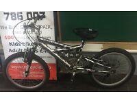 "Magna Rampage Silver/Black kids mountain bike 13"" Inch"