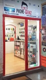 MOBILE PHONE SHOP APPLE SPECIALIST TOWN CENTRE HIGH STREET VERY CHEAP RENT NO BUSINESS RATES