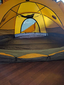 The North Face - VE-25 Expedition Tent Kitchener / Waterloo Kitchener Area image 4
