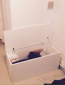 Wooden chest / storage box