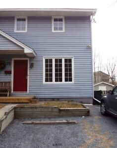 Centrally located Townhouse, North; Ropewalk Rd