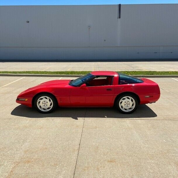 1993  Chevrolet Corvette   | C4 Corvette Photo 3