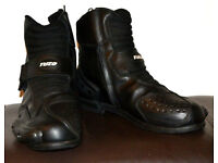 Tuzo Street-X Leather Waterproof Paddock Boots size 8 euro size 42 like new condition. £20