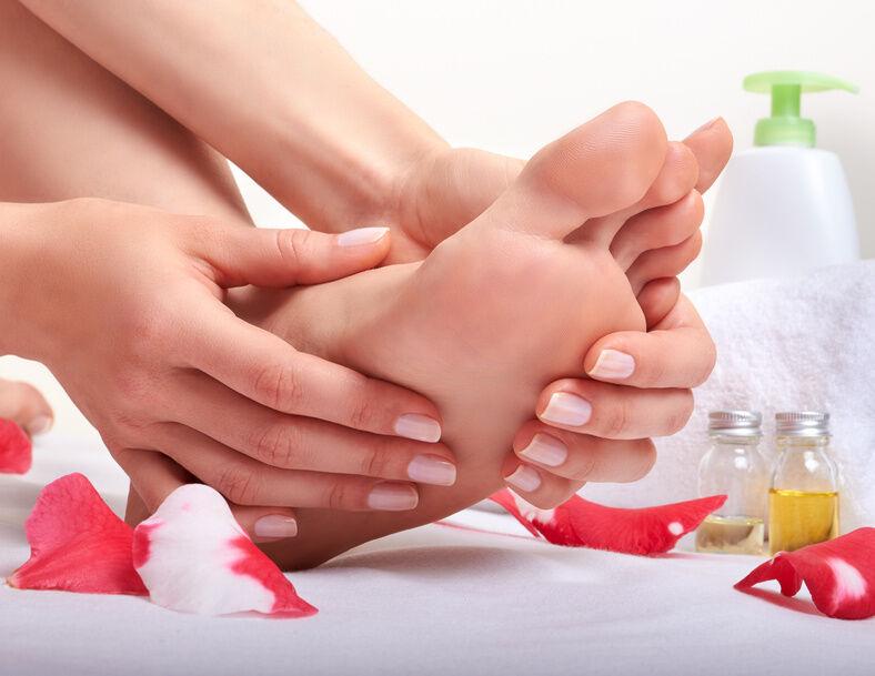 Die besten Fußcremes zum Entfernen und Vorbeugen von Hornhaut