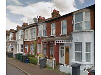 AVAILABLE NOW - Modern 2 bedroom maisonette with garden on Grange Avenue, North Finchley, N12 8DN