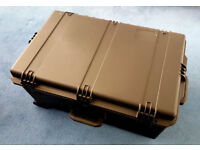 Very large Storm Case™ iM2950 - on wheels - never used - Mint Condition - Cost £300