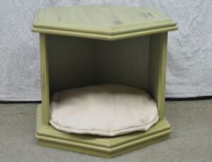 Side table/ pet bed