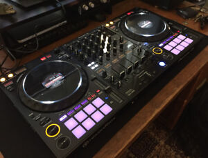 Pioneer DDJ-1000 4-Channel rekordbox DJ Controller with Mixer