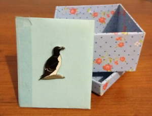 Enamelled seagull pin & gift box
