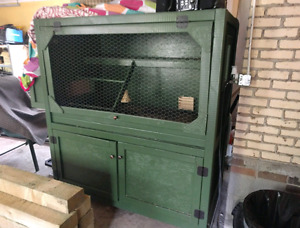 FOR SALE $650.00 - Chicken Coop for 1-6 hens