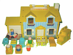 Fisher Price #952 Play Family House Yellow