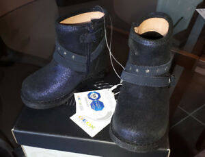 Brand New GEOX Junior Girls Boots - Size 7 (Euro size 23)