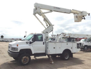 2007 GMC C5500 Terex TL-37M Bucket Truck (42 Feet Working Height