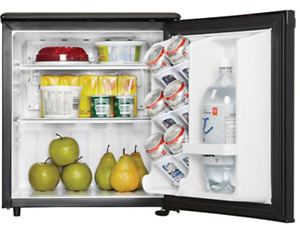 COMPACT ALL REFRIGERATOR - MINT CONDITION