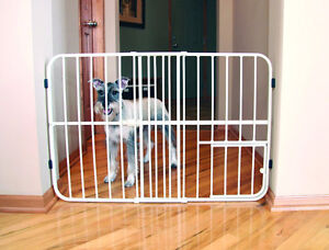 Expandable Pet Gate LIKE NEW
