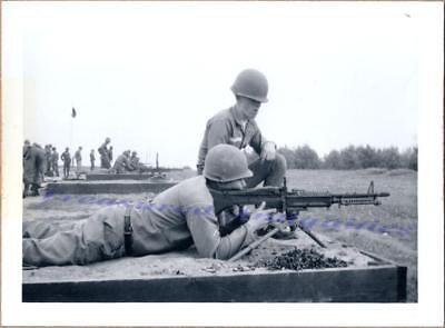 1950s US Army Troops Soldiers Firing Range New M60 7.62 mm Machine Gun Photo