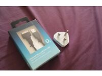 orginal APPLE charger + iphone 4/4s tip included