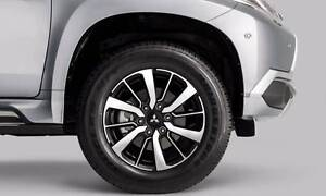 4X Genuine MITSUBISHI PAJERO TRITON 2016 MODEL 18 WHEELS AND BRID Blakehurst Kogarah Area Preview