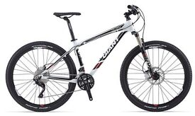 Giant Talon 27.5 0 2014 top spec Class 5/6 - Fox Float Fork with remote lockout - excellent cond