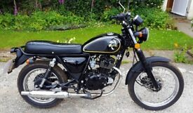 Herald Motor Company Classic 125 Motorbike, very low miles, beautiful bike, great for learners