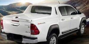 45 degrees SPORT COVER WITH STYLISH BAR FOR TOYOTA HILUX
