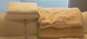 Varied blankets/manchesters FOR ANIMALS ONLY Roselands Canterbury Area Preview