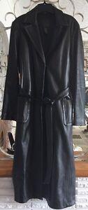Manteau en cuir noir long